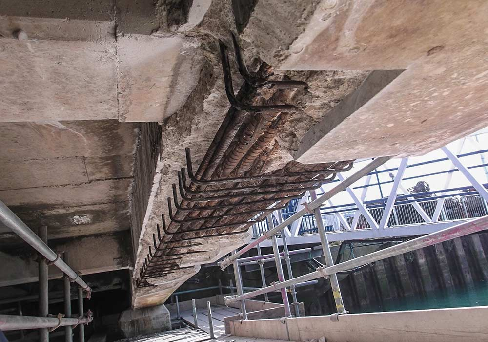 pipes concrete repairs scaffold